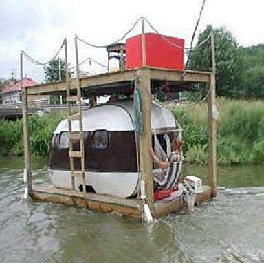 houseboat-hillbilly